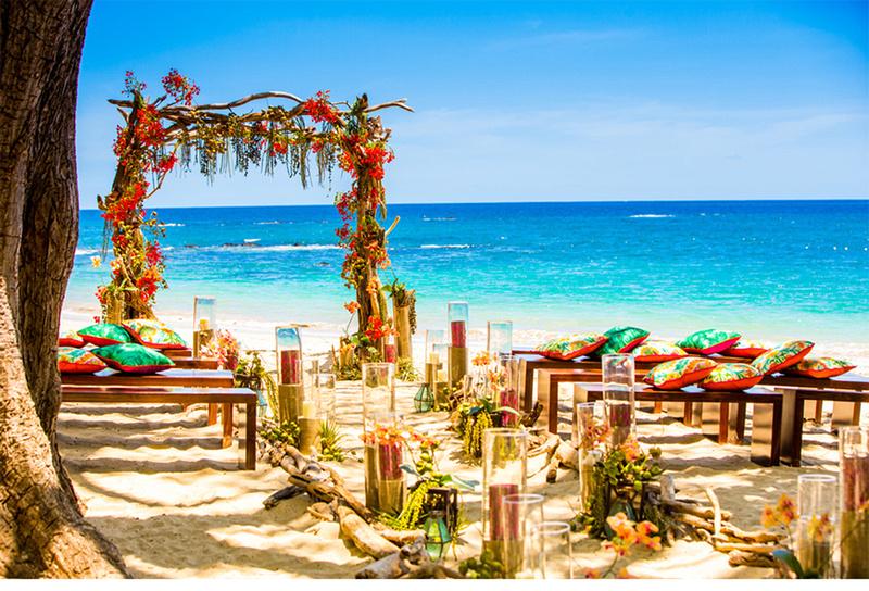 costa_rica_colorful_luxury_wedding_four_seasons_styled_beach_tropical_v215_om_3a